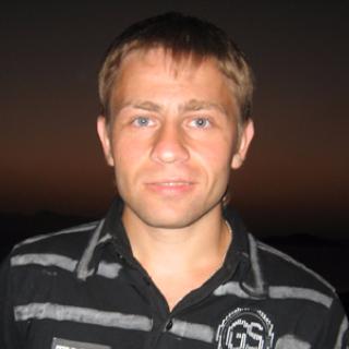 Денис Анохин